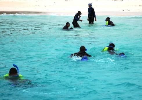 Snorkeling with kids from Bermuda Sloop