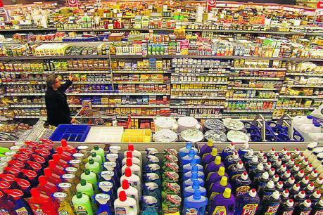 Längst nicht immer so offensichtlich wie im Supermarkt: Plastik und seine gefährlichen Schadstoffe sind überall. Foto: Farbfilm Verleih