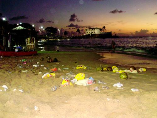 Abends am Strand Porto da Barra nach der 47. Überquerung Aquarius Fresh Mar Grande/Salvador – 17. Januar 2010. Foto: Bernardo Mussi