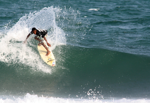 © Fabriciano Junior/Surf Bahia - www.surfbahia.com.br