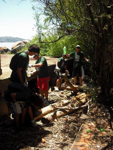 Jogos Radicais Porto Alegre 2010: Limpando a ilha do Presídio