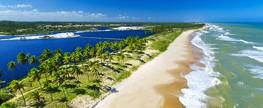 Casal de turistas diz que deixou hotel em Sauípe após saber de surto